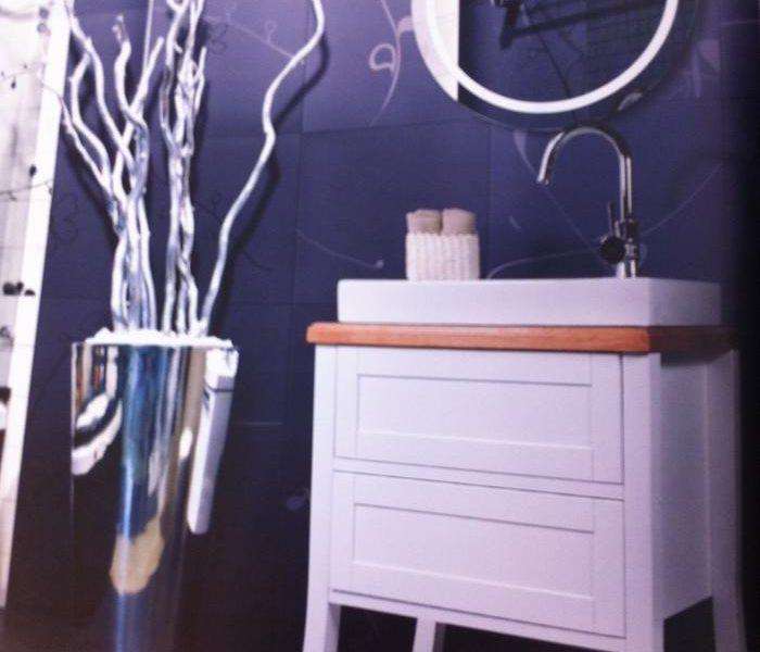 ארון אמבטיה עומד צבע אפוקסי איכותי, משטח עץ מלא.