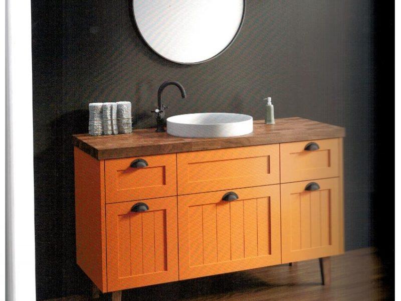 ארונות אמבטיה עם משטחי בוצ'ר עץ אלון וכיור מונח